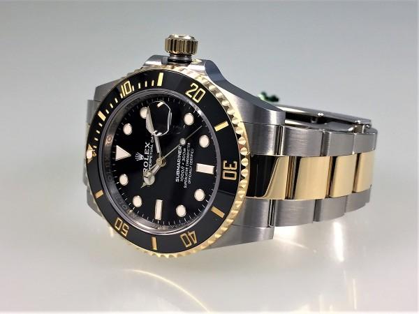 Rolex Submariner Date, Stahl/Gelbgold, 41 mm, neues Modell aus 02/2021, Ref 126613LN, Zifferblatt sc