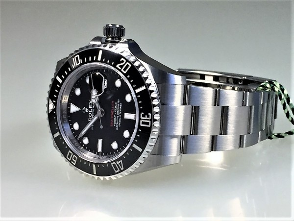 Rolex Sea-Dweller, Single-Red, Ref 126600, 04/2021, LC100, 43 mm, FULL SET
